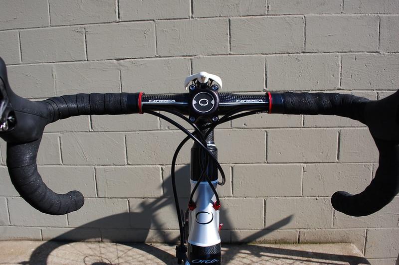 Régler le cintre et la potence sur un vélo de route